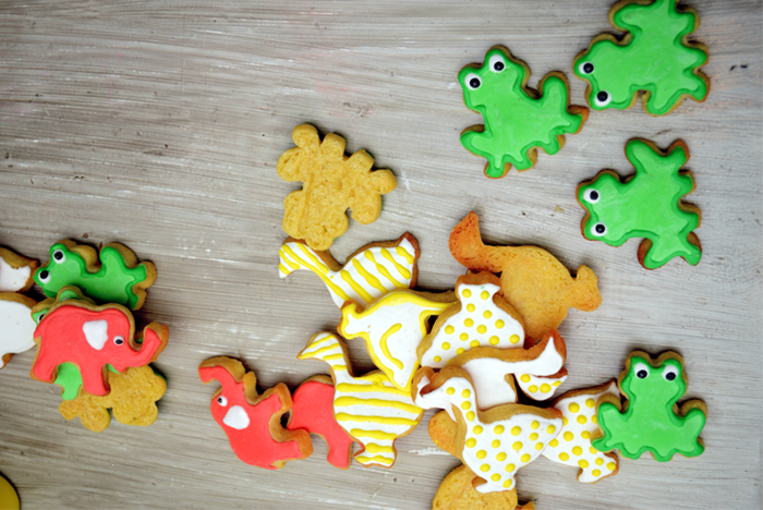 Fun Decorated Froggy Cookies